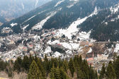 Ski resort town in winter — Stockfoto