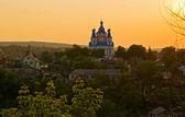 Una chiesa ortodossa al tramonto — Foto Stock