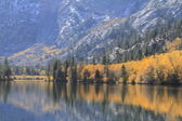 Autumn at Silver Lake in eastern Sierra Nevada — Stock Photo