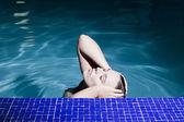 Frau im Wasser — Stock Photo