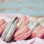 Shabby Chic Background with Macarons — Стоковое фото