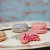 Shabby Chic Background with Macarons — Stock Photo