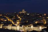 Walled city at night. Ávila. Spain — Stockfoto