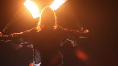 Bearded man in fire performance — Stock Video