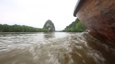 Thai boat on river — Wideo stockowe