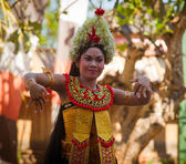 Young girl performs a classic national Balinese dance Barong — Stock Photo