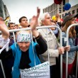 A old woman takes part in an anti-Putin protest in central in Moscow — Stock Photo