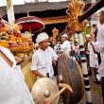 Melasti Ritual is performed before Nyepi — Stock Photo