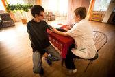 Tag der gesundheit im zentrum der sozialen dienste für rentner und behinderte — Stockfoto