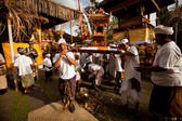 Performing Melasti Ritual before Nyepi — Stock Photo