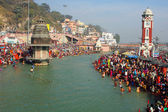 Puja ceremony on the banks of Ganga, celebrate Makar Sankranti — Stock fotografie