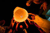 CHIANGMAI,THAILAND  DEC 31: release sky lanterns during the New Year celebrations — Stock Photo