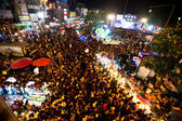 CHIANGMAI,THAILAND - DEC 31: gathered in the city center on the countdown during the New Year celebrations — ストック写真