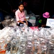 BANGKOK - APRIL 24: Unidentified seller shop at Chatuchak Weekend Market — Stock Photo