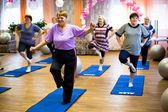 Podporozhye, rusya 11 ekim: emekliler ve (yaşlılar ve engelliler için spor eğitimi) engelli отрада için sosyal hizmetler merkezinde sağlık günü, podporozhye içinde 11 ekim 2012, rusya. — Stok fotoğraf