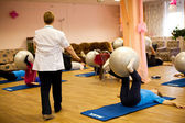 Podporozhye, RUSSIA  OCTOBER 11: Day of Health in Center of social services for pensioners and disabled Отрада (Fitness training for elderly and disabled), October 11, 2012 in podporozhye, Russia. — ストック写真