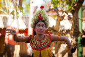 BALI, INDONESIA  APRIL 9: Young girl performs a classic national Balinese dance formal wear on April 9, 2012 on Bali, Indonesia. formal wear is very popular cultural show on Bali. — Foto Stock