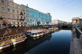 ST.PETERSBURG, RUSSIA - MAY 21: Griboyedov Canal Embankment, May 21, 2012 in St.Petersburg, Russia — Stockfoto