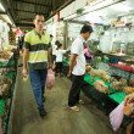BANGKOK - APR 24: Unidentified buyers shop at Chatuchak Weekend Market April 24, 2012 in Bangkok, Thailand. — Stock Photo #24617239