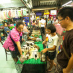 BANGKOK - APRIL 24: Unidentified seller shop at Chatuchak Weekend Market April 24, 2012 in Bangkok, Thailand. — Stock Photo