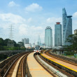 KUALA LUMPUR, MALAYSIA - APR 4: View of the city from Kelana Jaya Line on April 4, 2013 in Kuala Lumpur. Today KJL carries over 190,000 passengers a day and over 350,000 a day during national events. — Zdjęcie stockowe