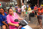 KO CHANG, THAILAND - APR 13: celebrated Songkran Festival, on 13 Apr 2013 on Ko Chang, Thailand. — Foto Stock