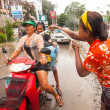 KO CHANG, THAILAND - APR 13: celebrated Songkran Festival, on 13 Apr 2013 on Ko Chang, Thailand. Songkran is celebrated in Thailand as the traditional New Year by throwing water at each other. — Foto Stock