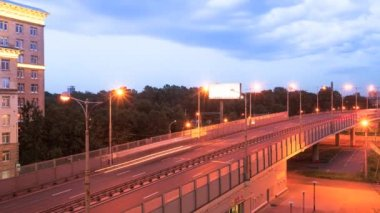 Timelapse: Evening traffic on the ring road — Stock Video
