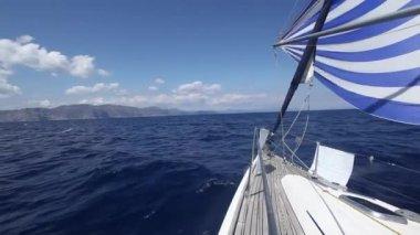 Sailing yacht race — Stock Video