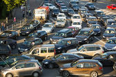 MOSCOW - JUNE 13: Cars stands in traffic jam on the city center, June 13, 2013, Moscow Russia. Moscow Mayor Sobyanin reconstructs suburban railways, to solve problem of traffic jams in 2016. — Stok fotoğraf