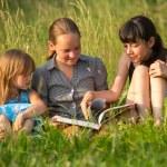 drie kleine zusje — Stockfoto