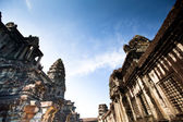 Angkor Wat - is the largest Hindu temple complex and religious monument in the world — Stock Photo