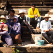 Unidentified cambodians in Angkor Wat — Stock Photo #30169399