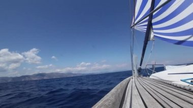 Sailing boat shot in full HD at the Saronic Gulf, Greece. Sailing in the wind through the waves (HD) — Stock Video #30515965