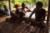 Unidentified people Orang Asli in his village — Stock Photo