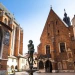 St. Mary's Church in historical center of Krakow — Stock Photo #31862061