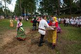 地元の人々 を祝った ivan kupala 日 — ストック写真
