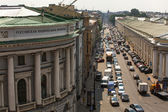 Cars stands in traffic jam on the city cente — Stock Photo