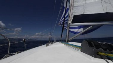 Sailing regatta (HD) Sailing boat shot in full HD at the Saronic Gulf. — Stock Video