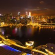 een uitzicht op stad vanaf dak marina bay hotel op singapore — Stockfoto