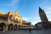 View of Main Market Square (Rynek) with the Renaissance Drapers' Hall (Sukiennice), in Krakow, Poland. — Stock Photo