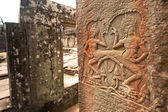Apsaras - khmer stone carving in Angkor Wat, on Siem Reap, Cambodia. — Stock Photo