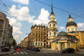 ST.PETERSBURG, RUSSIA - JUN 26: One of the streets in historical center, Jun 26, 2013, SPb, Russia. Petersburg ranked 10th place among the most visited and popular tourist cities in Europe — Stock Photo