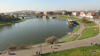 View of the embankment of Vistula River in Krakow, Poland. — Stock Video