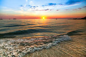 Sunset over ocean — Stock Photo