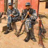 Unknown nepalese soldiers Armed Police Force near the public school — Photo