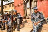 Unknown nepalese soldiers Armed Police Force near the public school — Stockfoto