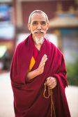 Retrato do monge não identificado círculo boudhanath — Fotografia Stock