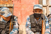 Unknown nepalese soldiers Armed Police Force near public school — ストック写真