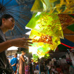 Unidentified seller shop at Chatuchak Weekend Market in Bangkok, Thailand. — Stock Photo